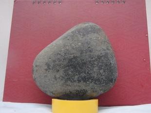 奇石鞋形状 天然石头水冲石 鹅卵石底座工具 怒江奇石脚 秒杀