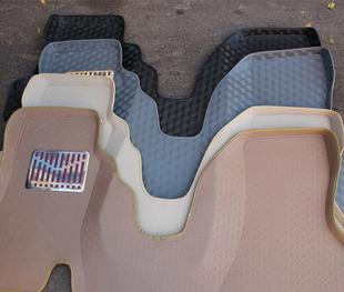 新福克斯三厢脚垫有用吗 新福克斯三厢脚垫怎么样 新福克斯三厢脚垫高清图片