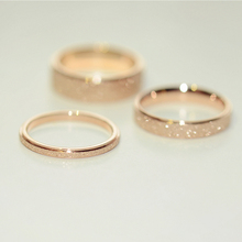 Baoyou Titanium Steel Plated 18K Rose Gold Grinding Lover's Coloured Gold Ring, Finger Ring, Men's and Women's Tail Ring, Long Color Preservation J056