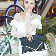 wholesale manufacturers 2014 spring new Korean version of the V-section envelope clutch bag female models fion hand bags free ship