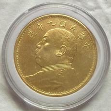Позолоченная старинная монета
