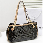 2014 new fion ladies diamond latt chain bag shoulder embossed patent Korean leisure bags