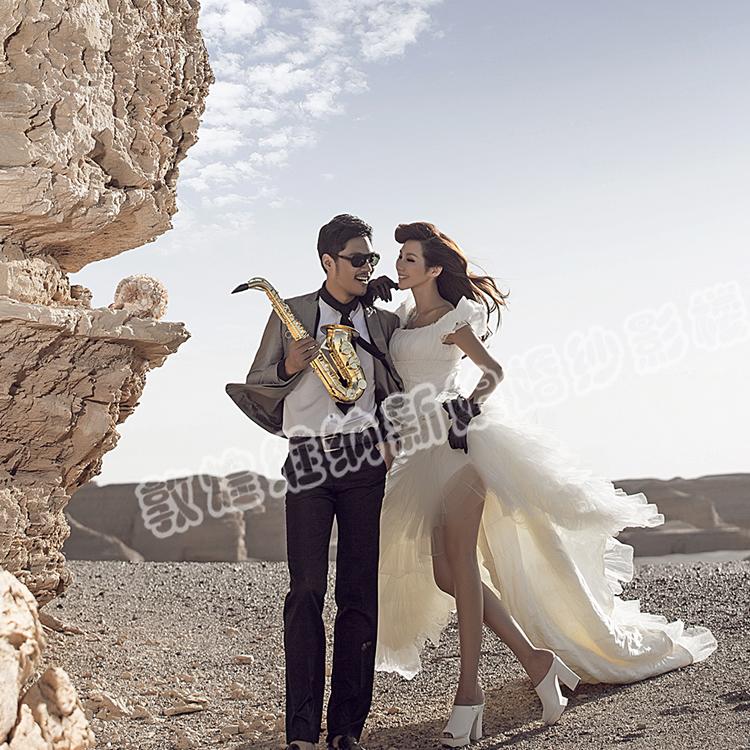 敦煌维纳新娘甘肃新娘鸣沙山、雅丹一对一个性婚纱摄影