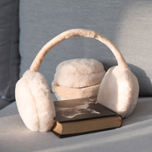The ear mask is warm, the Korean version is cute, the ear bag is riding, the ear can be folded, the ear bag is covered, and the ears are warmed.